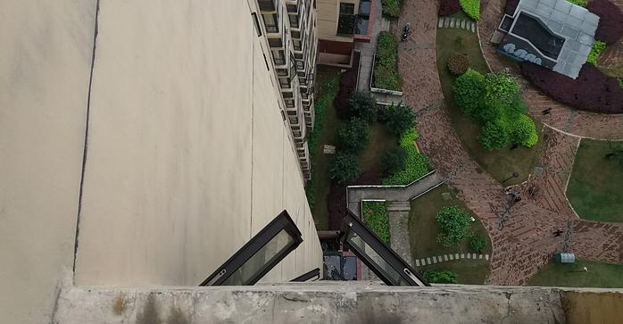 株洲一4岁小男孩从17楼坠亡,引发小区内安全思考!